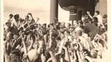 图片:文化大革命时期毛泽东接见红卫兵(网络资料)