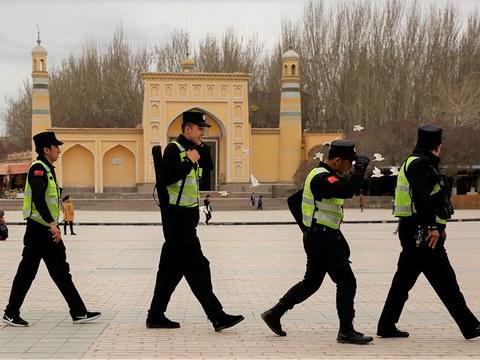 ཤིན་ཅང་ངམ་ཤར་ཏུར་ཀིསུ་ཐན་གྱི་ཀཤི་སྒར་(Kashgar)གྲོང་ཁྱེར་རྒྱ་ནག་གི་ཉེན་རྟོག་པ་འགྲེམས་འཇོག ༢༠༡༧
