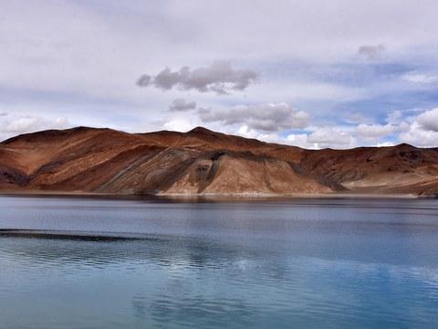 རྒྱ་གར་ལ་དྭགས་སྤང་གོང་མཚོ་(Pangong Tso lake)