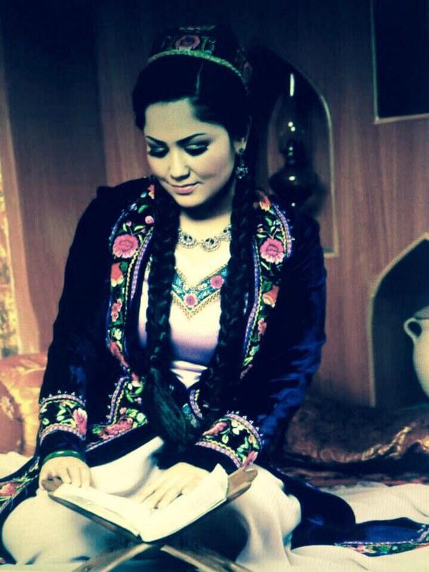 Shaire-Aynur-Muhemmet-01.jpeg