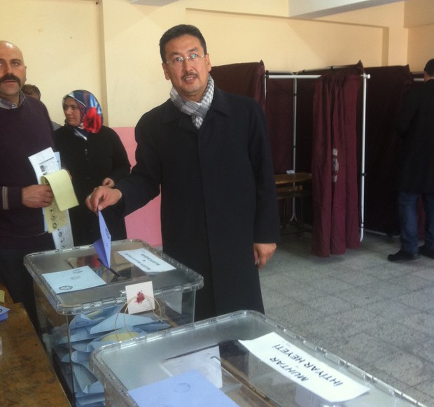 turkiye-saylam-uyghur-bilet.JPG