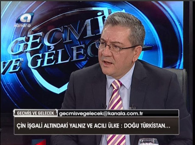 turkiyede-uyghur-mesilisi-tv-erkin-ekrem.jpg