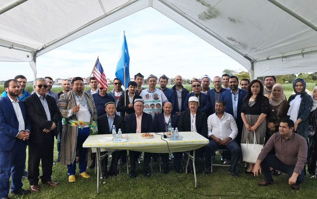 amerika-elchisi-gollandiye-uyghur.jpg