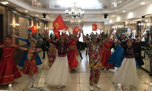 Қирғизистан уйғурлириниң
