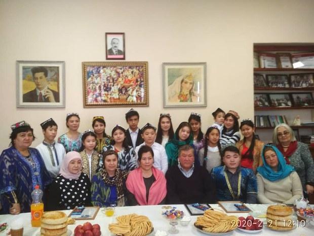 Ana-Til-Bayrimi-Qirghizistan-02.jpeg