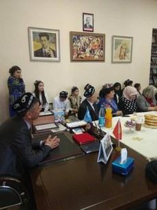 Ana-Til-Bayrimi-Qirghizistan-03.jpg