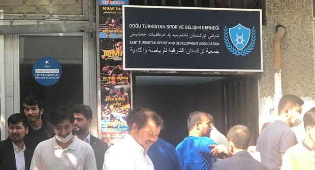 Istanbulda Uyghur yashliri üchün tenterbiye-chéniqish kulubi échildi