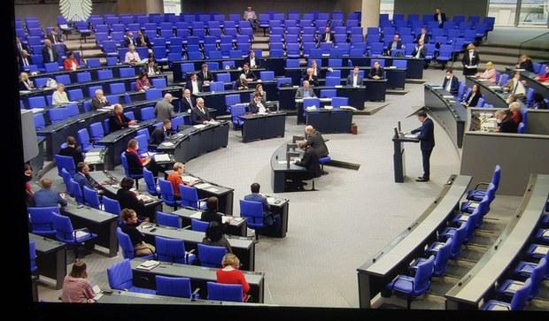 germaniye-parlamenti-uyghur-mesilisi.jpg