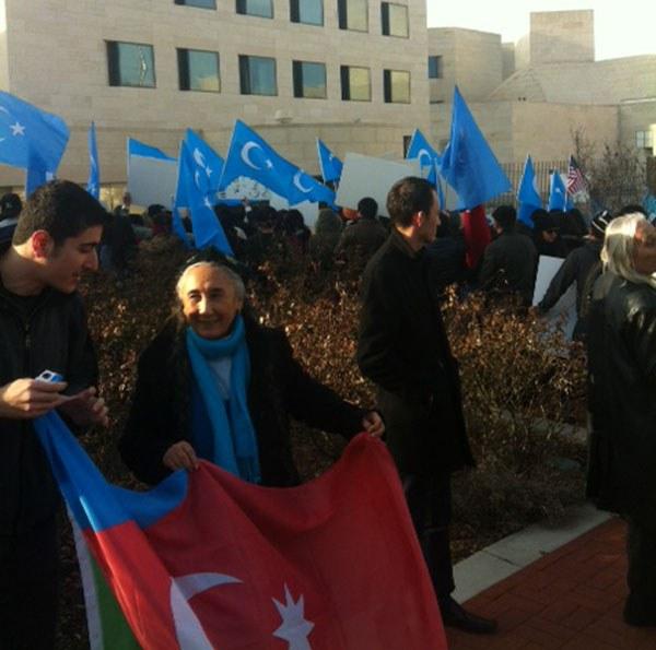 amerika-uyghur-namayish.JPG