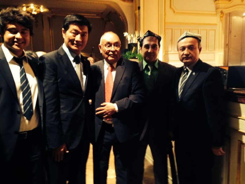 Gérmaniye parlaméntidiki Uyghur pa'aliyetchiliri