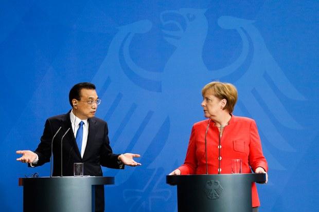 li-keqiang-kechyang-Angela-Merkel-germaniye.jpg