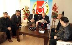 seyit-tumturk-zhurnalistlar-jemiyiti-uyghur-doppa-1.JPG