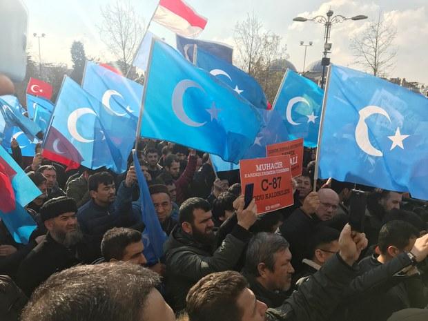 istanbulda-uyghurlarni-kollash-namayishi-2018-12-01.JPG