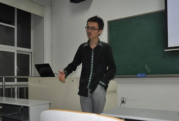 perhat-xalmurat-uyghurbiz.jpg