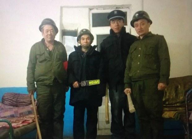uyghur-oqutquchilar-gozette.jpg