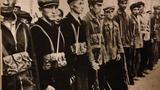 1970-يىللاردا يېزىغا «قايتا تەربىيە ئېلىش» قا چۈشكەن ئۇيغۇر ياشلىرىنىڭ مىلتىق كۆتۈرۈپ «خەلق ئەسكىرى» بولۇشى