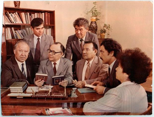 Uyghurshunas-Alimlar-1970-Almuta.jpg