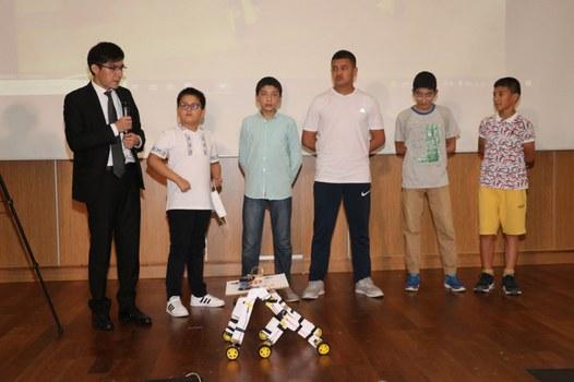 UyghurStem-Robot-Korgezmisi-2021-01.jpg