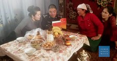 uyghur-aile-xitay-qoshmaq-tughqan.jpg