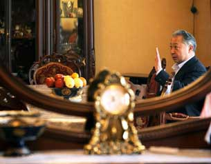 Qirgiz-prezidenti-Baqiyef-Oshta-Mokunmide-305.jpg