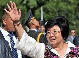 Qirghiz-prezidenti-Roza-Otunbayewa-xanim-08312010-305