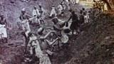 20-Esirning-beshidiki-hashar-ishlewatqan-Uyghur-dixanlar-305.jpg