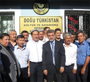 Turk-ministiri-Qeyseri-Uyghur-wexpide-Siyit-Tumturk-305