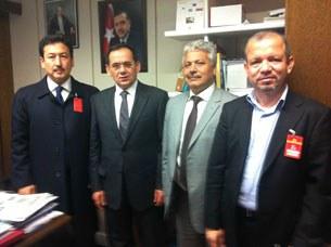 mustafa-demir-uyghur-heyiti-305.jpg
