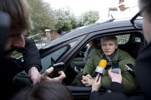 wikileaks-julian-assange-muxbirlar-305.jpg