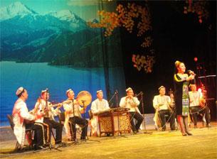 Uyghurche-naxsha-izzet-ilyas-1-305