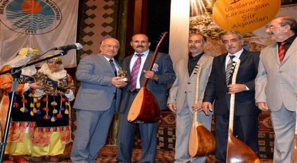 turk-shairlar-uchrishishi-uyghurlar.jpg