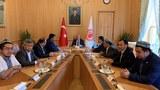 Uyghur-heyet-Turkiey-Parlament-reisi-bilen-uchrashti-201906-01.jpg