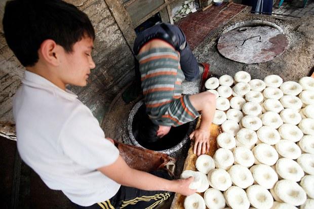uyghur-nan-girde.jpg
