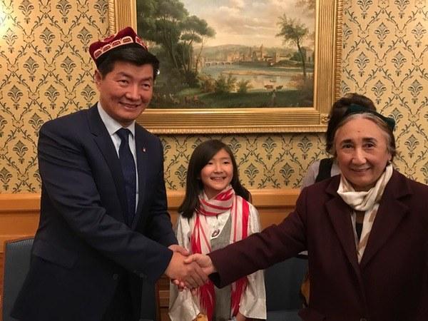 rabiye-qadir-yaponiye-tibet-2017.jpg