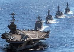Tàu sân bay USS George Washington dẫn một tàu tuần dương tên lửa và ba tàu khu trục của Nhật Bản trong thời gian Mỹ-Nhật tập trận quân sự ở Thái Bình Dương vào ngày 10/12/2010. AFP