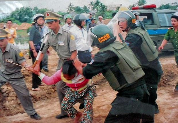 Luật đất đai theo kiểu cộng sản Việt Nam
