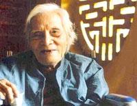 Nhà thơ Hoàng Cầm. Hình của HanoiTV