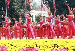 Lễ khai mạc Đại Lễ 1.000 năm Thăng Long - Hà Nội. Photo courtesy of thanglonghanoi.gov.vn