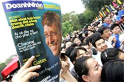Giới trẻ Việt Nam luôn háo hức muốn được học hỏi và tìm hiểu về các tiến bộ trên thế giới.  AFP PHOTO