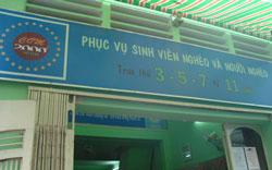 Quán cơm 2.000 đồng trên đường Ngô Quyền, quận 10, TP HCM phục vụ sinh viên nghèo và người nghèo vào mỗi buổi trưa thứ 3, 5, 7. Nguồn: Người Tôi Cưu Mang.