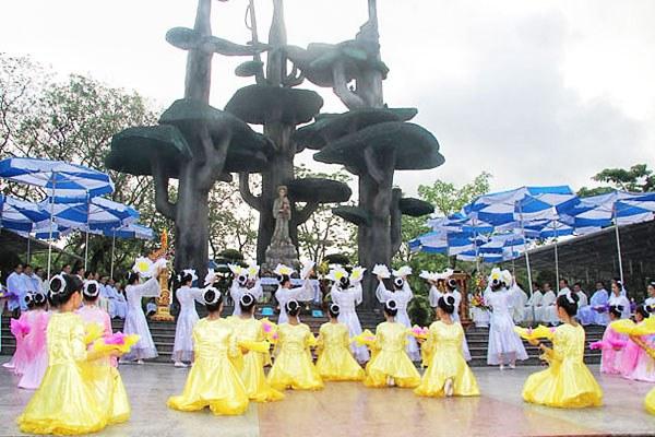 Lễ khai mạc Tháng Hoa (1/05/2014) tại Linh đài Mẹ La Vang
