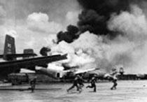 Bộ đội Bắc Việt chiếm phi trường Tân Sơn Nhứt 30 tháng tư 1975- AFP photo