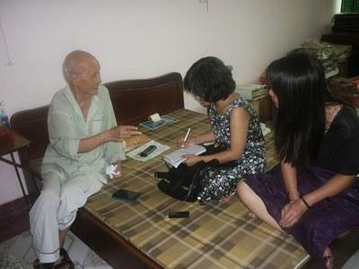 Ông Lê Trọng Nghĩa trong một lần trả lời phỏng vấn các nhà báo. Courtesy photo.