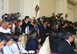 Quang cảnh sinh hoạt của báo chí trong hội nghị - RFA photo