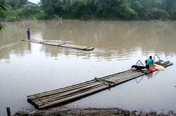 Sông Kỳ Cùng chảy qua bản Phạc Giàng, Tỉnh Lạng Sơn