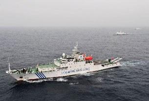 Tàu chiến Haijian hiện đại của Trung Quốc tuần tiểu ngày đêm trên các khu vực tranh chấp ở Biển Đông.