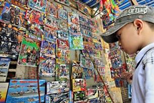 Hàng hóa Trung Quốc tràn ngập thị trường Việt Nam