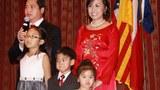Luật sư Hoàng Duy Hùng cùng với phu nhân và các con