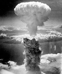 Một vụ nổ bom nguyên tử thử nghiệm trên biển