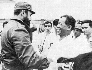 Tổng bí thư Lê Duẩn và Chủ tịch Fidel Castro.
